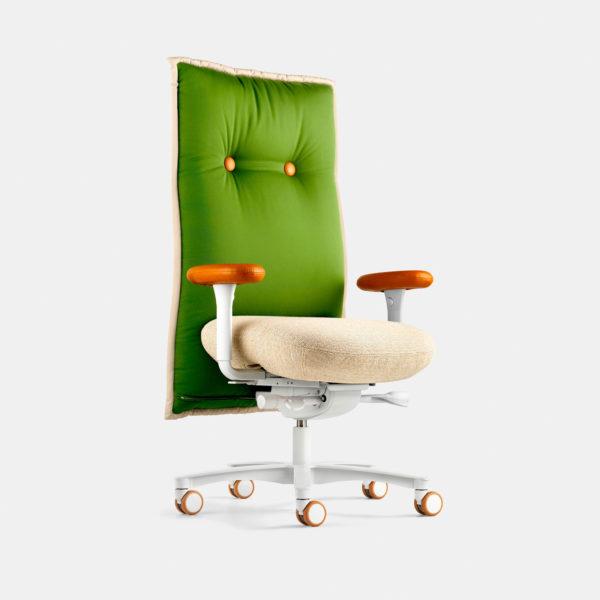 Designer Schreibtischstuhl von LÖFFLER mit brasilianischem Flair