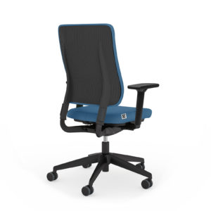 Der Bürodrehstuhl Drumback Ultra Spring von Viasit auf meinebürozeit.de